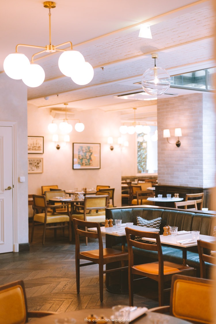 The beautiful Rivie restaurant at the Hoxton Paris - THECOMMONWANDERER.COM