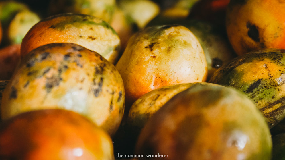 Fresh mangoes at Galle Markets, Unawatuna - best things to do in Unawatuna