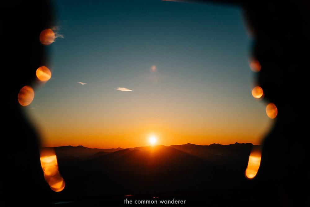Watching sunrise from Adam's Peak/Sri Pada, Sri Lanka - the best things to do in Sri Lanka