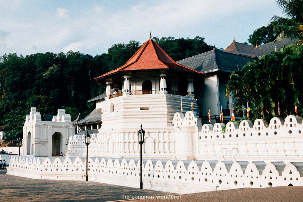 The temple of the sacred tooth relic, Sri Lanka - the best things to see and do in Sri Lanka