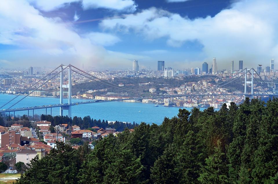 cloud-1402190_960_720 istanbul.jpg