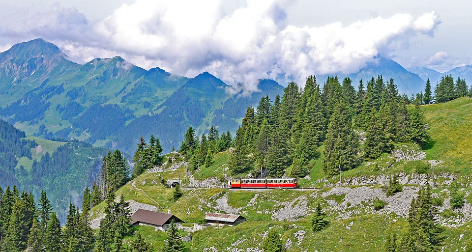mountain-railway-3197671_960_720.jpg