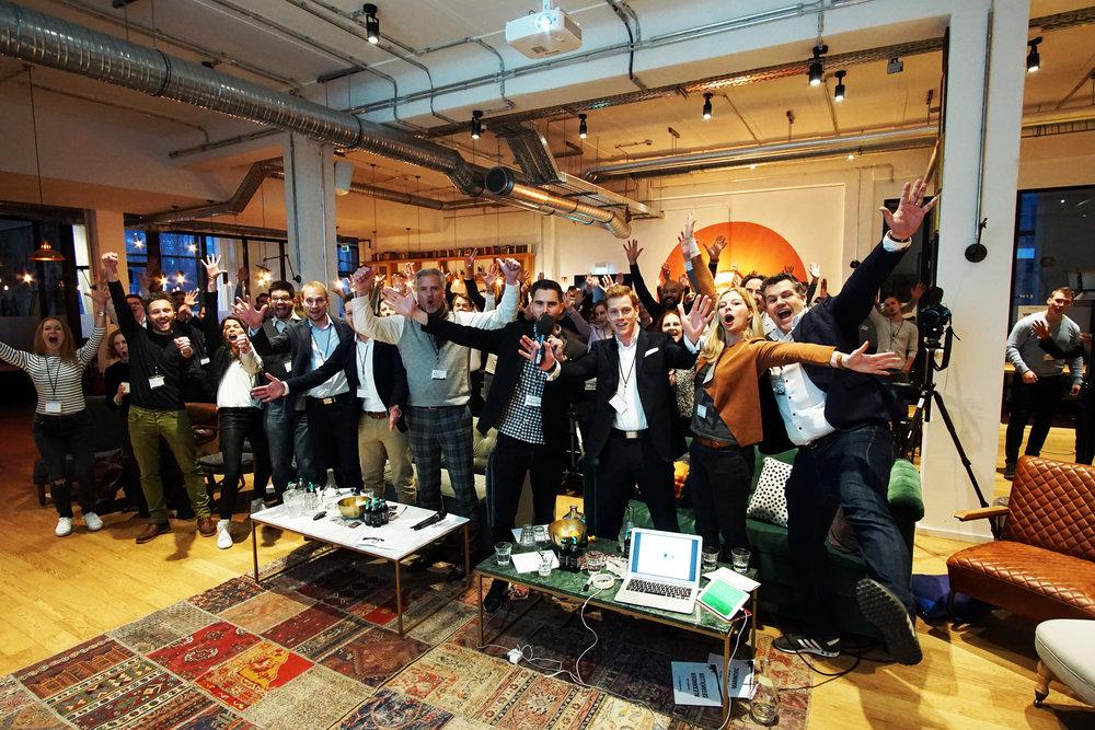 unternehmerwissen crowd farbe.jpg