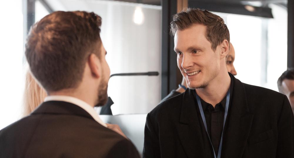 Triff spannende Persönlichkeiten - Brainstorme deine Ideen mit Mitgliedern unserer Community, lerne von TOP Unternehmern, finde Investoren, Partner und Mentoren.Entwickle dich somit sowohl auf persönlicher Ebene weiter wie auch auf unternehmerischer für dein Business.