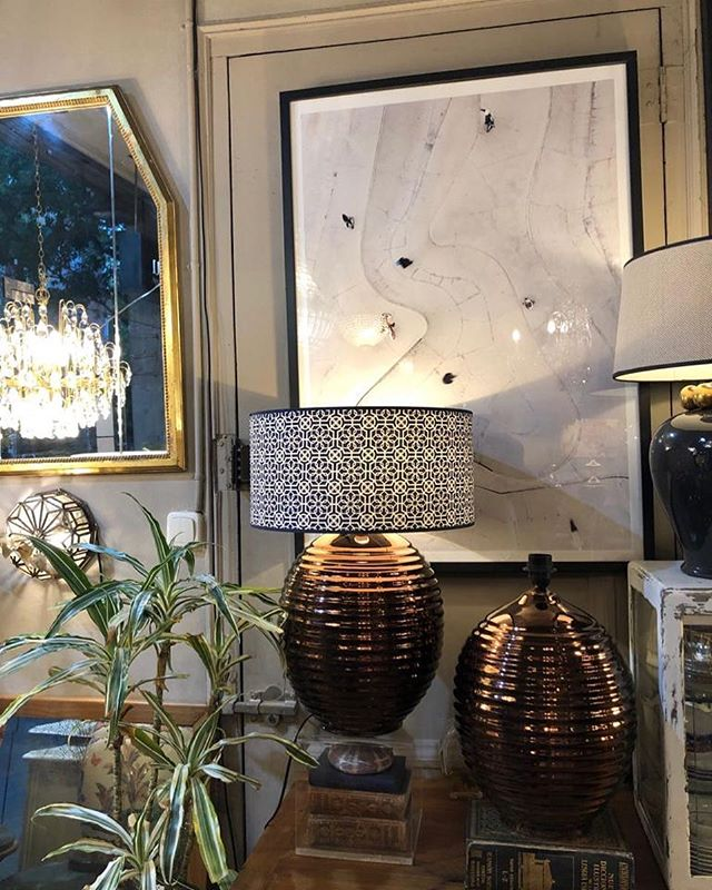 💡 🖼 🌱 🏺🛋🎁. . . . #restoredfurniture #restored #antiguedadesbarcelona #vintage  #lamparasbarcelona #lamparasvintage #iluminacionbarcelona #iluminaciondecorativa #iluminaciones #cuadros #mirrorsbarcelona #mirrors #espejosdecorativos #espejos #espejo