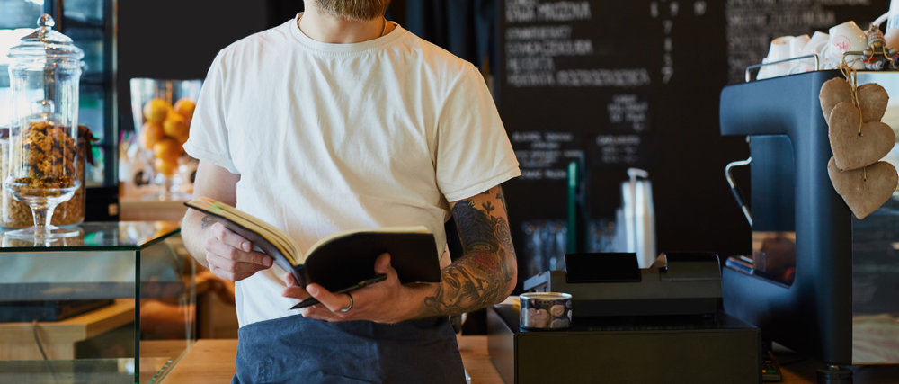 How to Craft a Restaurant Employee Handbook that Staff Will Actually Care About (And Read)