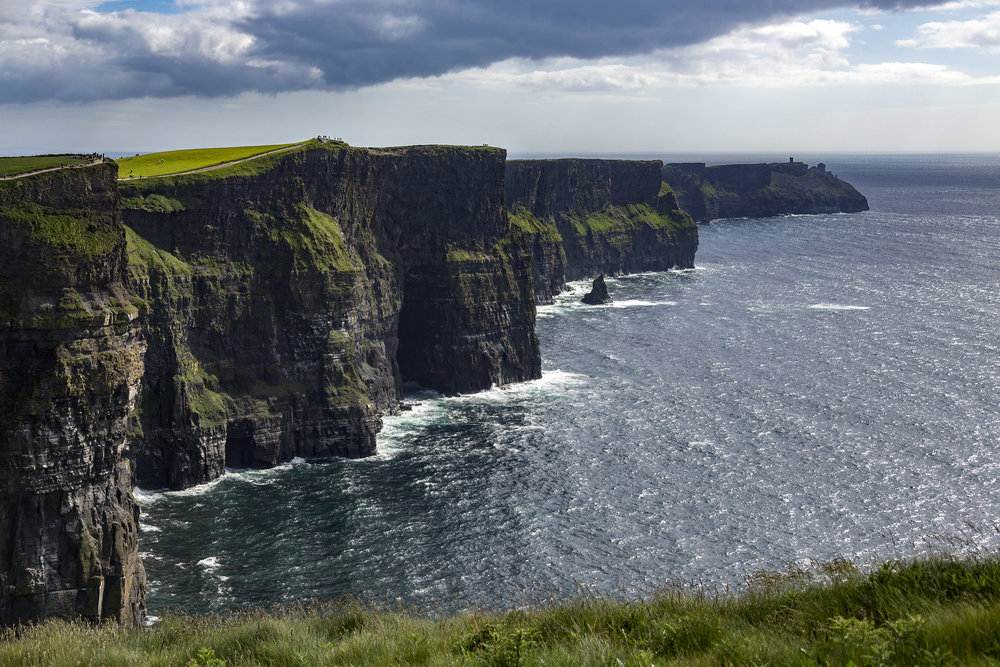 the-cliffs-of-moher-located-at-the-southwestern-edge-of-the-burren-region-in-county-clare-ireland-ft_t20_NQQOdp.jpg