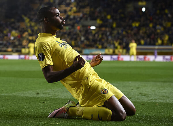 Cedric Bakambu of Villarreal celebrates scoring his team's first goal during the UEFA Europa League Quarter Final first leg match between Villarreal CF and Sparta Prague at El Madrigal on April 7, 2016 in Villarreal, Spain.  (April 6, 2016 - Source: Manuel Queimadelos Alonso/Getty Images Europe)