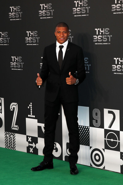 Kylian Mbappe of Paris Saint-Germain arrives on the Green Carpet ahead of The Best FIFA Football Awards at Royal Festival Hall on September 24, 2018 in London, England.  (Sept. 23, 2018 - Source: Julian Finney/Getty Images Europe)