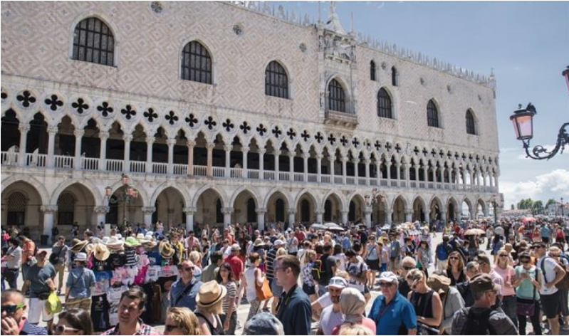 Fig 5_Turismo masivo en Venecia.png