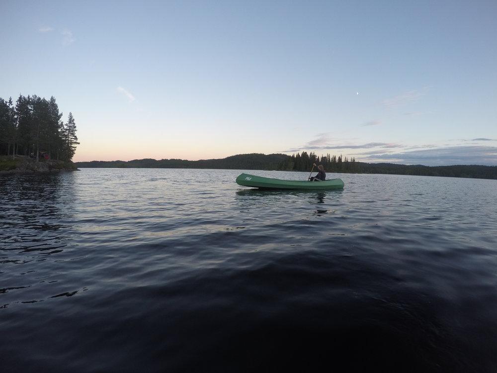 Night paddling at lake Katnosa