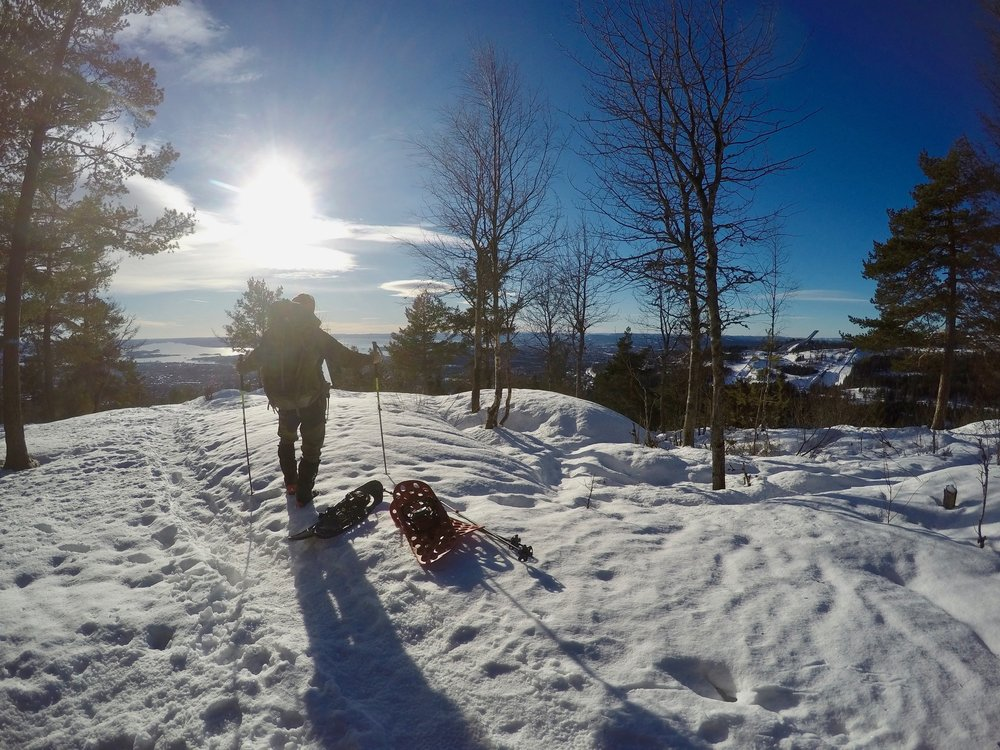 Day-tour by snowshoes. Holmenkollen ski jump to the right, the Oslofjord in the distance (Photo: Oslo Outdoor)