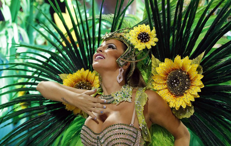 Carnival 04.jpg