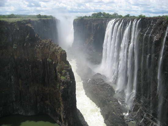 Waterfall_00.jpg