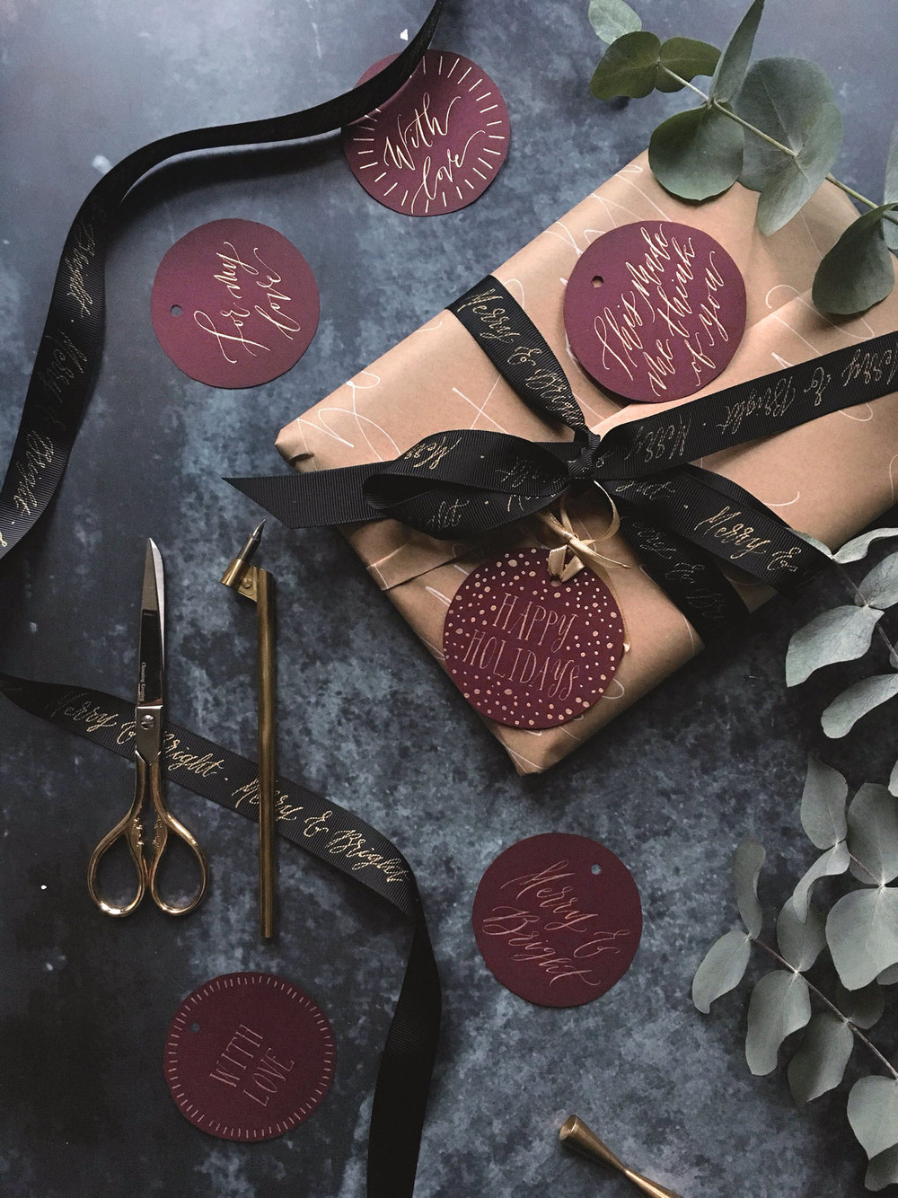 luxury-calligraphy-gift-wrapping-4.jpg