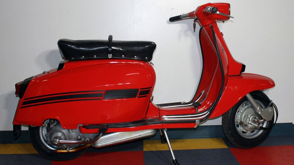 1970 LAMBRETTA DL150 (L-53) - The Lambretta DL/GP's were the last of the line. The last model that Innocenti sold before the shuttered the factory making Lambrettas.