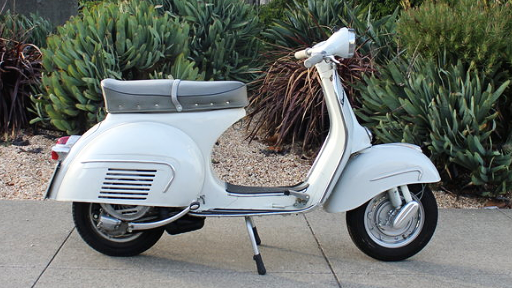 1962 VESPA GS 160 SERIES 1 (IC-177) - The GS 160 was the top of the line scooter in the Vespa range. The early GS 160 is as rare as they come. Beauty, sophistication, style, rarity: it has it all.