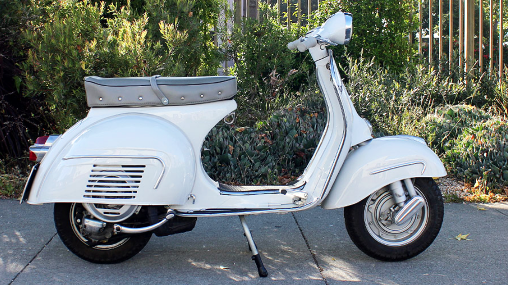 1962 VESPA GS 160 SERIES 1 (IC-225) - This scooter was restored in Italy to a high standard. It looks great from any angle and in outstanding conditions, it looks good from anywhere you look at it.