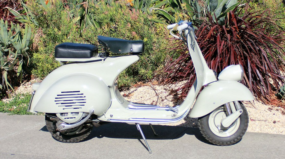 VESPA FARO BASSO (BM-187) - These were built in a different era when life moved at a slower pace. Solid and well-built machines, these early Vespas are rugged, but look sophisticated.