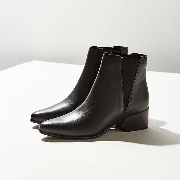 Urban_Outfitters_Pola_Leather_Chelsea_Boots.jpg