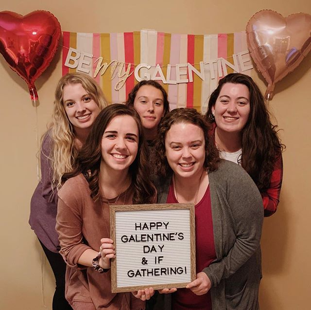 So excited to be spending the weekend live-streaming @ifgathering under the teaching of SO many amazing women like @jenniesallen, while celebrating Galentine's day with these babes! ❤️💕 #ifgathering2019