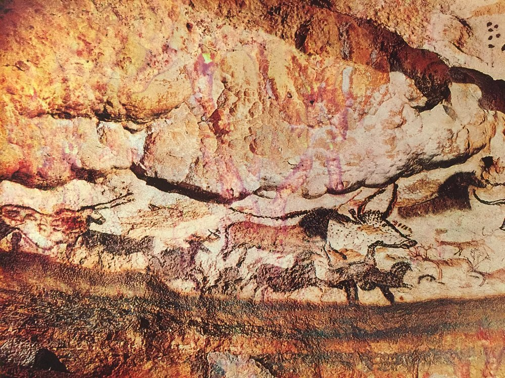 Hall ofBulls,Lascaux Dordogne France 15k yrs.JPG