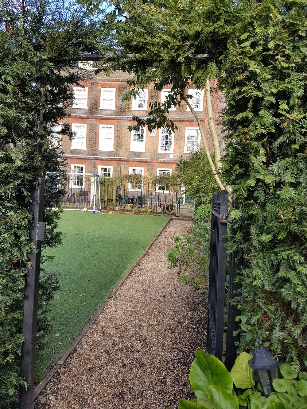 The only brown plaque on my route at Bolton House, Hampstead. I did feel like a bit of an intruder getting this shot