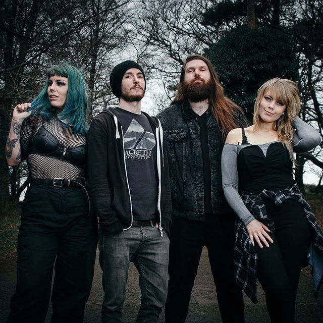 2019. Let's be having ya! . 📷 by @louisebody.media . #letsdothis #band #femaleguitarist #guitarist #bassist #drummer #vocalist #fishnet #myboohoostyle #posers #green #greenhair #blonde #love #monday #promo #bearded #beard #picoftheday #photography @chapmanguitars @victoryampsuk