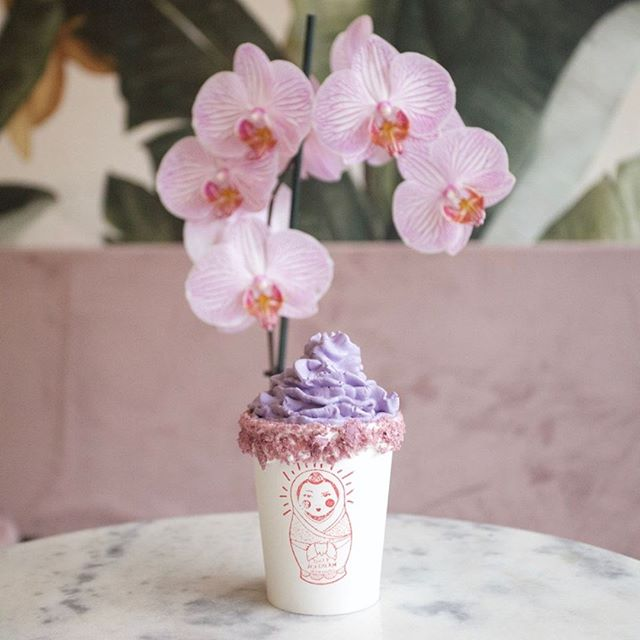 MAMASONS UBE COCO 😋  Creamy Ube and white chocolate hot coco topped with fresh Ube whipped cream. A perfect concoction to warm up those cold days. #dirtyicecream #ube #hotchocolate #chinatownlondon