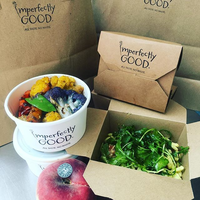 Thanks to everyone who ordered this week - Creamy avocado and feta pasta salad with a Spiced roast cauliflower, carrot and mangetout medley + yoghurt and cucumber dip.. winging their way around London with our awesome cycle teams! 🥑☀️👌🏻🙏😋🚴🏿‍♂️#lunchdelivery #vegetarian #imperfectlygood #lunchinlondon #nomnomnom #reclaimyourlunchbreak