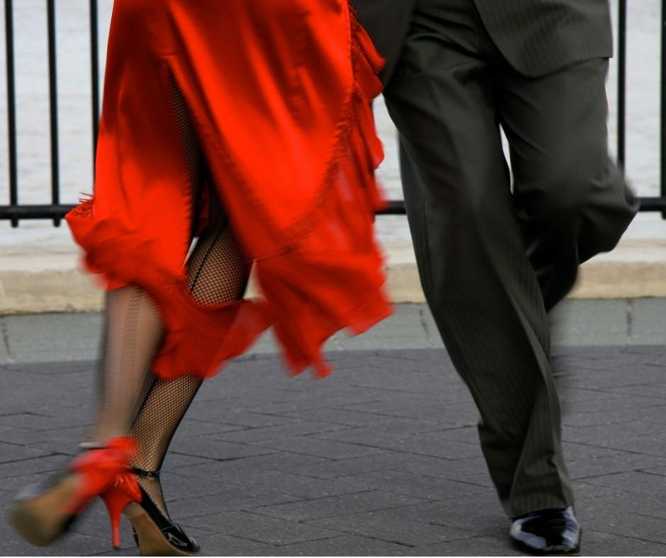 Tangodancersfacebook.jpg