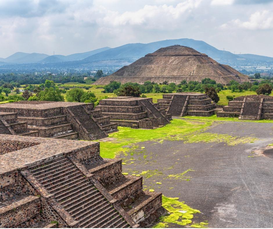 MexicoCityPyramidsFACEBOOK.jpg
