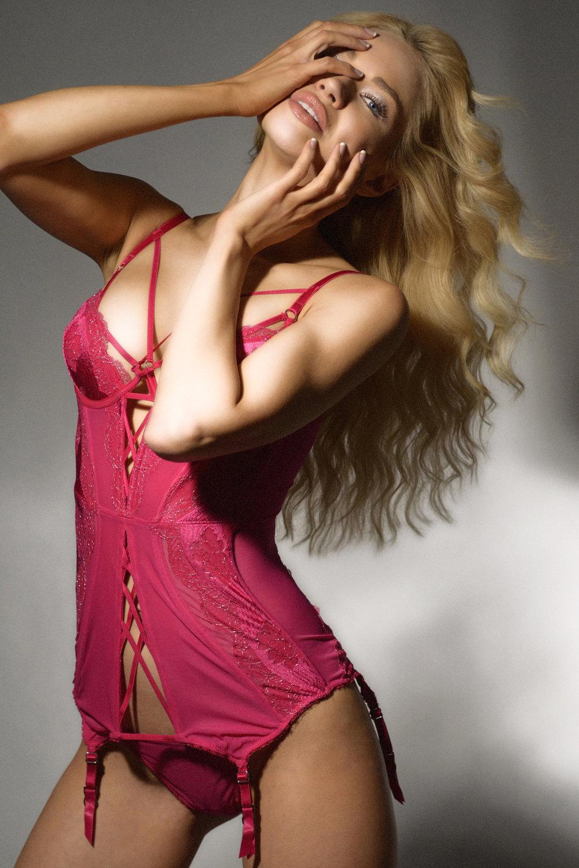 neamclin.lingerie.jpg