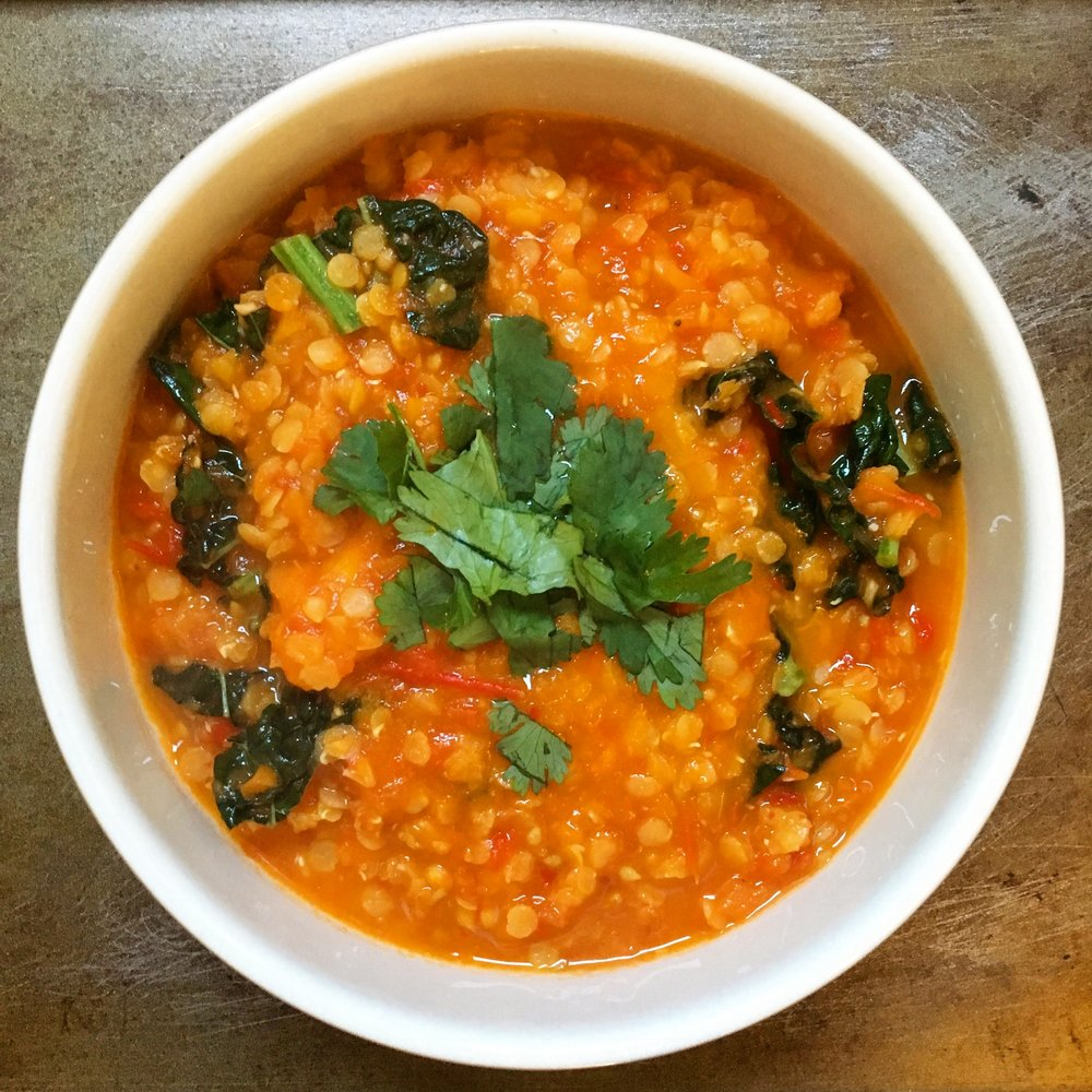 This roasted tomato, pepper and lentil soup with black kale is a great winter dish that is full of vitamin C.