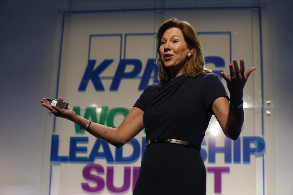 https_%2F%2Fblogs-images.forbes.com%2Fmichelleking%2Ffiles%2F2017%2F05%2FLynne-Doughtie-KPMG-Womens-Leadership-Summit-2-1200x800.jpg