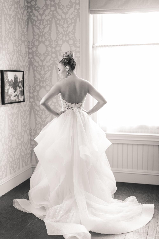 8.24.18_Stephanie_Ariel_WeddingTeasers-25.jpg