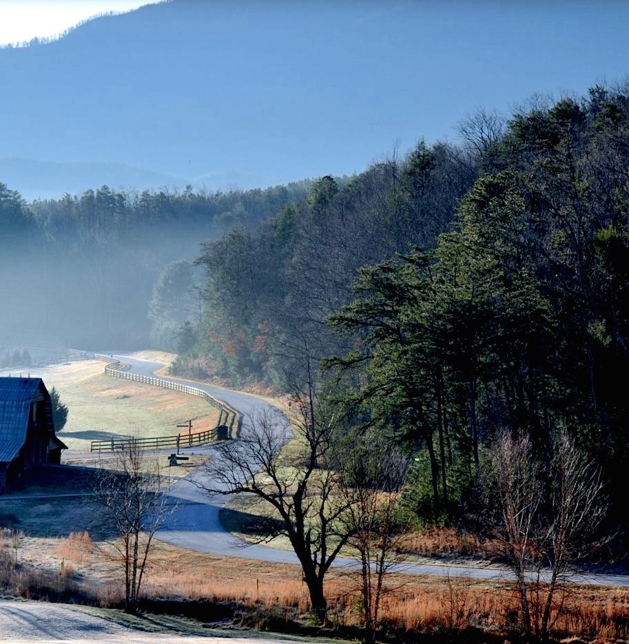 BC barn w wiggle road.jpg