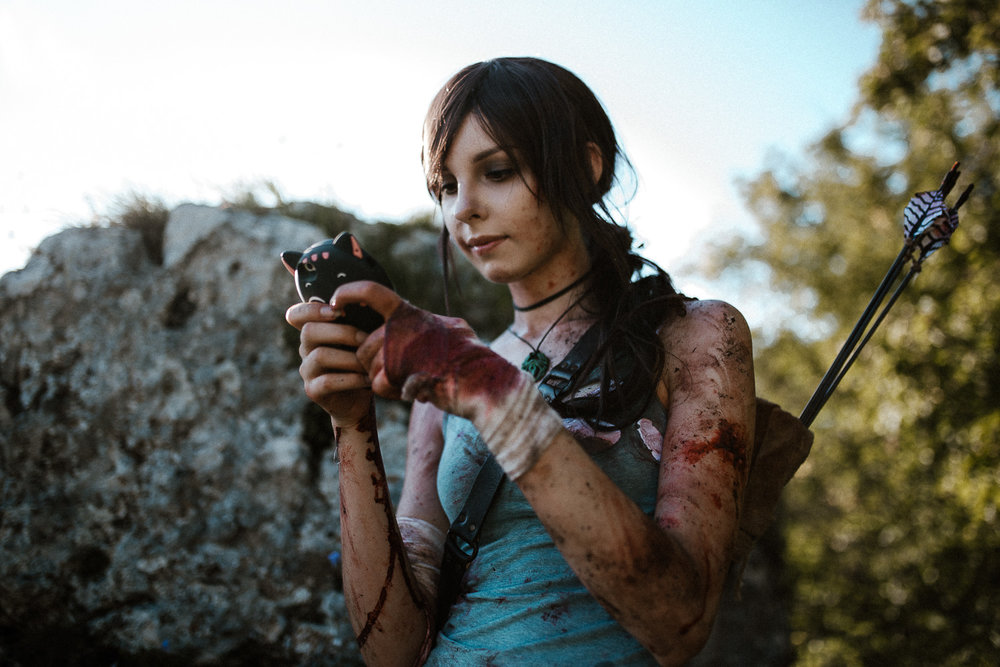 Tomb-raider-lara-croft-backstage-michal-brzegowy-16.jpg