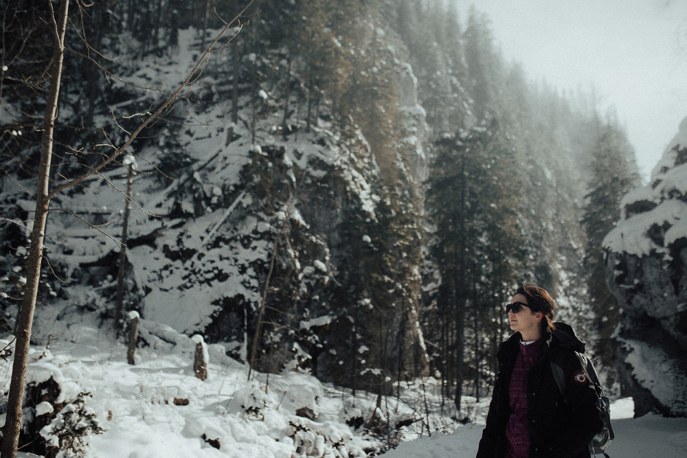 Destination-Wedding-Photographer-couple-in-mountains-1-21.jpg