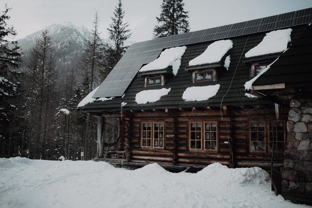 Destination-Wedding-Photographer-couple-in-mountains-1-40.jpg
