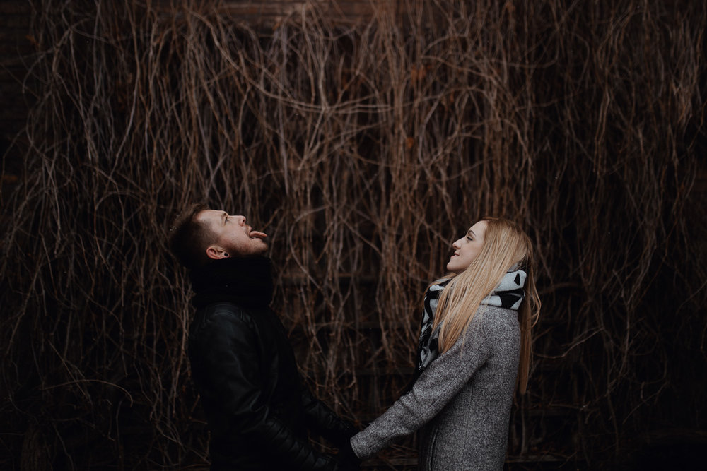 Engagement-photoshoot-in-winter-krakow-wawel-35.jpg