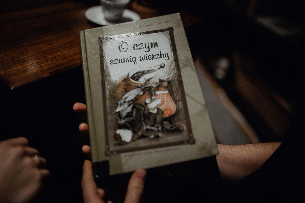 Engagement-photoshoot-in-winter-krakow-wawel-77.jpg