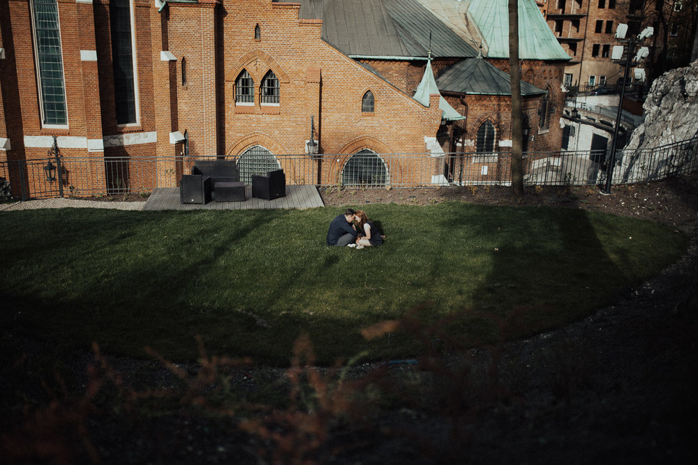 Engagement-photoshoot-in-forest-on-mound-7.jpg