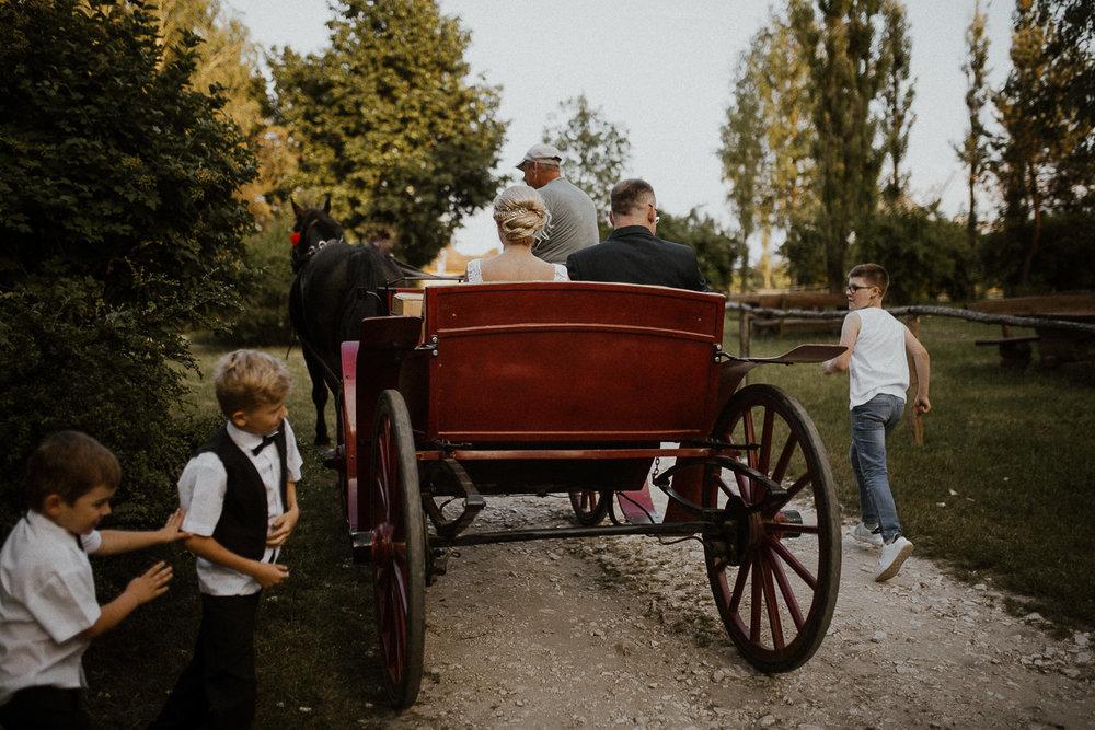 boho-wedding-tokarnia-rustykalny-slub-plenerowy-101.jpg