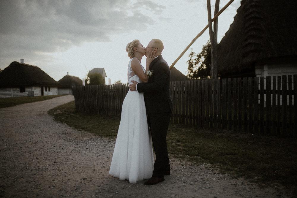 boho-wedding-tokarnia-rustykalny-slub-plenerowy-119.jpg