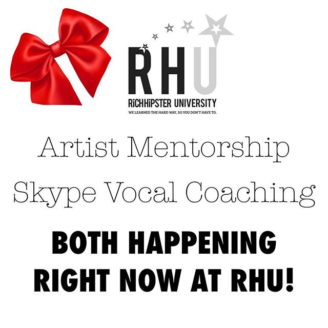 Last Minute Gift for the singer in your life? 🎄Head to the website and check out the Vocal Coaching Boot Camp Bundle right now! 🎄 You can give it as a gift! 🎄LINK IN BIO!!!