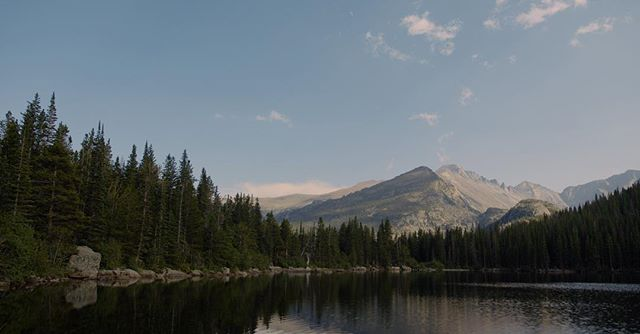 Rocky Mountains. Bear Lake #redgemini #photography #mountains @reddigitalcinema photo #bearlake #hike #hiking #hikingadventures