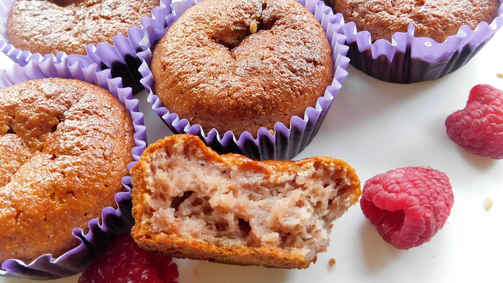 Very easy raspberry breakfast muffins student recipe winies recipe video below forumfinder Image collections