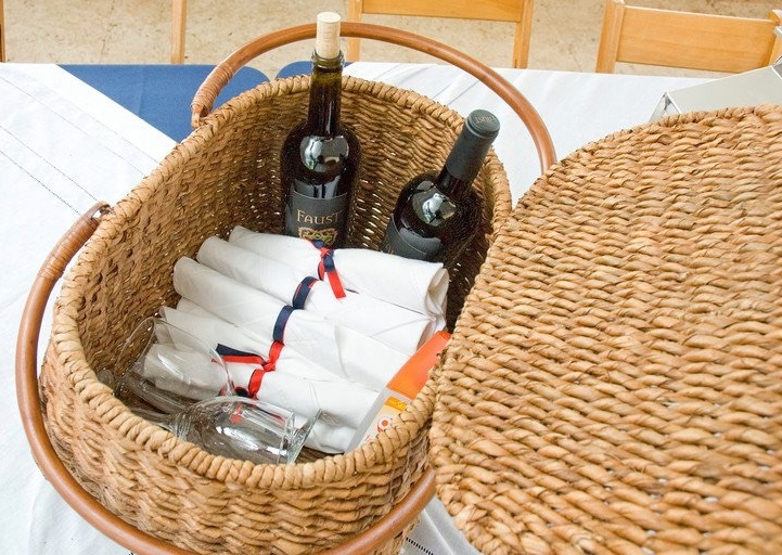 cc aragona 4th of july picnic basket.jpg
