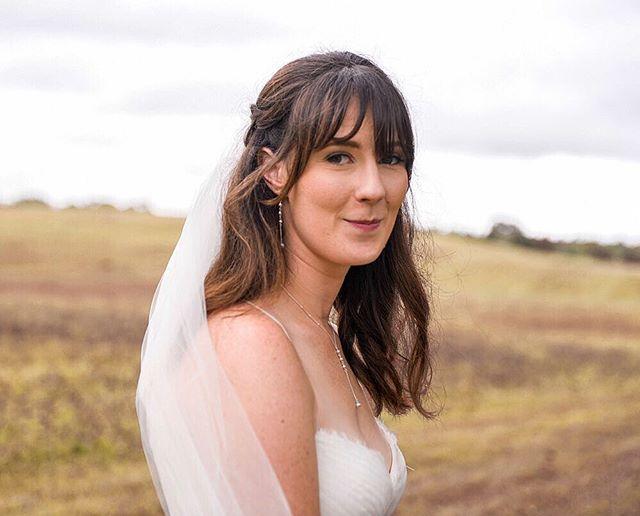 Beauty ♥️ @lovebylunasolo #weddingday #weddinghair #weddingcake #weddingwire #weddingdress #classic